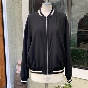 ZARA BASIC COLLECTION PELICAN BOMBER Size Large.